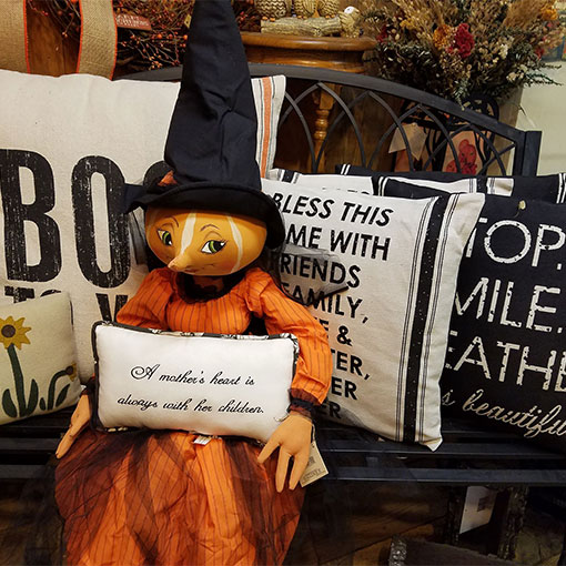 Terrific fall home decor for the autumn season at Howell's Pumpkin Patch